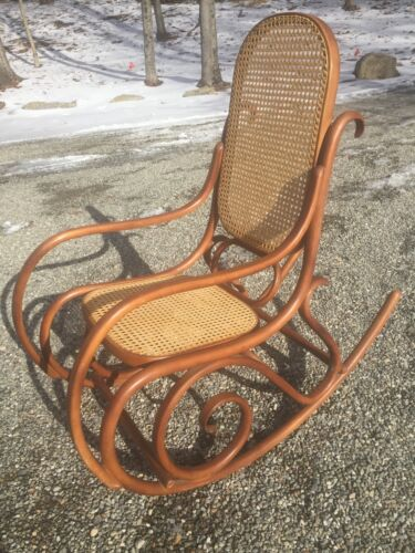 AUTHENTIC THONET BENTWOOD & CANE ROCKER_ROCKING CHAIR
