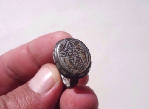 Roman~Byzantine silver engraved ring,displayed a Saint Mary,standing in a temple