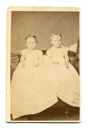 YOUNG TWINS, VARY RARE CDV. NEW YORK.