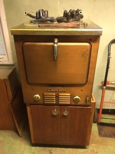 Antique Chambers Imperial Majesty gas oven, cooktop and matching vent hood