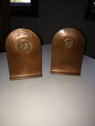 CRAFTMAN STUDIOS HAND MADE ARTS AND CRAFTS HAMMERED COPPER BOOKENDS