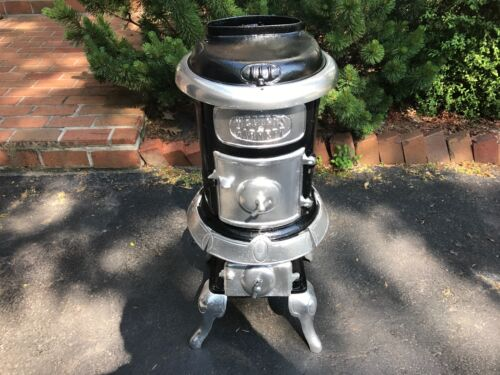 Antique Cast Iron Stove!