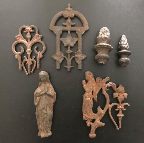 15th century French Cast Iron Madonna and Angel - 6 pieces