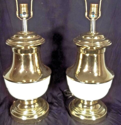PAIR OF MID CENTURY MODERN CLASSICAL ADAMS WHITE PAINTED BRASS URN LAMPS
