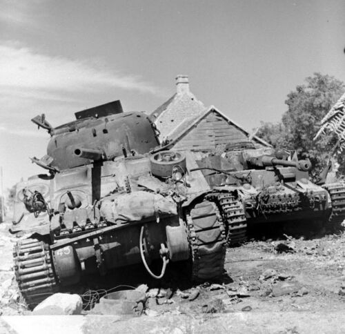 WW2 Photo WWII Sherman and Panzer Destroyed  Falaise Pocket World War Two / 2414United States - 156437