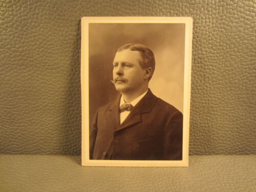 Edwardian Antique Cabinet Card Photo of Young Man