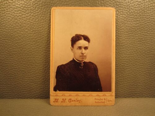 Victorian Antique Cabinet Card Photo of a Young Woman