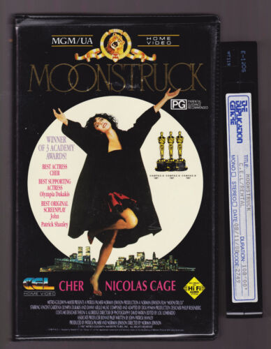 RARE DISPLAY PROMO VHS MOONSTRUCK VHS VINTAGE 1988 CLAMSHELL  CHER CAGE