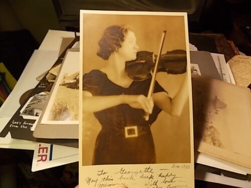 1933 CABINET SIZE PHOTO, WOMAN PLAYING HER VIOLIN,  NICE!