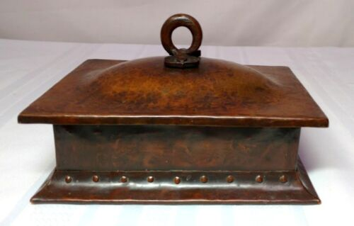 GUSTAV STICKLEY, HAMMERED COPPER HUMIDOR BOX, CIGARS, TOBACCO, NICE PATINA~~~