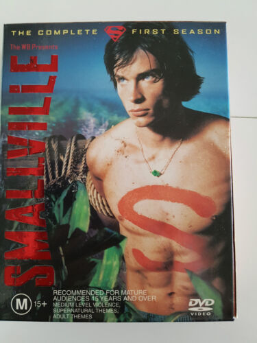 Smallville The Complete First Season (6 DVD Disc Set)
