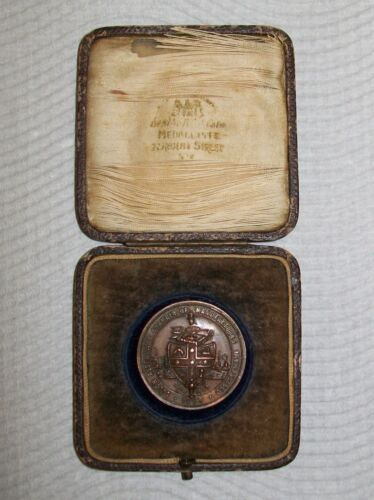 1925 SOUTH AUSTRALIAN CHAMBER OF MANUFACTURERS BRONZE MEDALLION in case