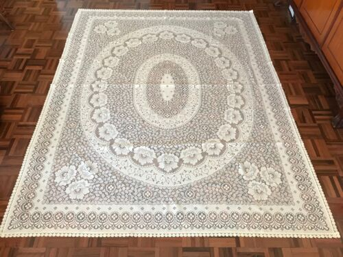 Vintage XL Made in England cream rose floral lace detailed rectangle tablecloth
