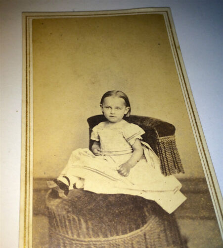 Antique Victorian Beautiful Young Girl Seated! Hatford, Connecticut CDV Photo!