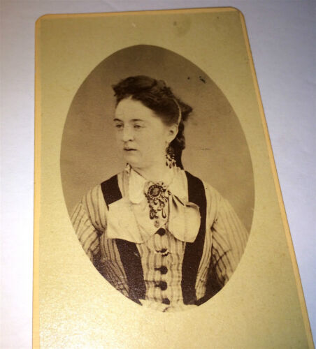 Antique Victorian Wealthy American Woman! Great Fashion & Jewelry! Old CDV Photo