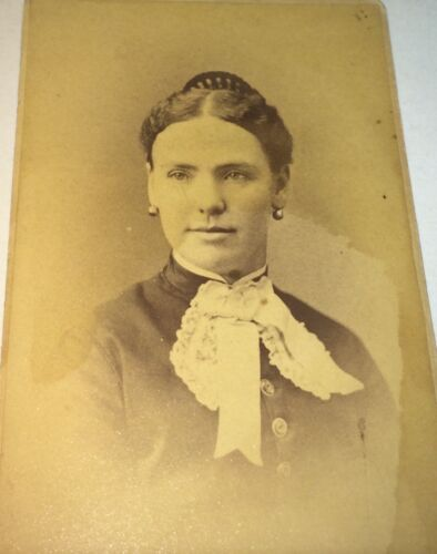 Antique Beautiful Victorian American Fashion Lady, Earrings! Lowell MA CDV Photo