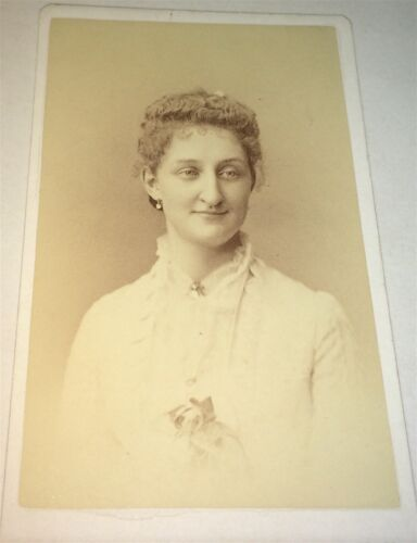 Antique Beautiful Fashion Victorian American Woman, New York! Old CDV Photo! US!