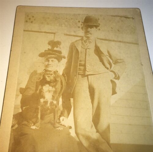 Antique Victorian American Pet Dog & Couple! Animal Cabinet Card Photo! C.1890s