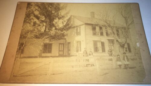 Antique Victorian American Family & House! White Fence! Kids! Cabinet Card Photo