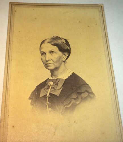 Antique Victorian American Fashion Older Woman! Mystic River, CT CDV Photo! US!