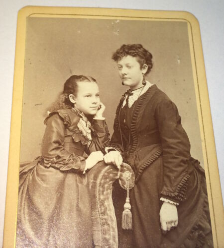 Antique Victorian American Portrait of Mother & Smiling Daughter! CT CDV Photo!
