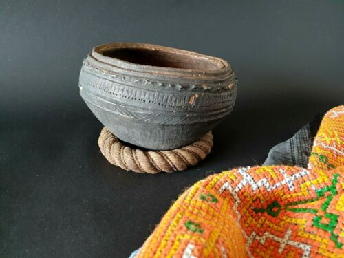 Old Papua New Guinea Sepik River Clay Cooking Pot (b) …beautiful collection & di