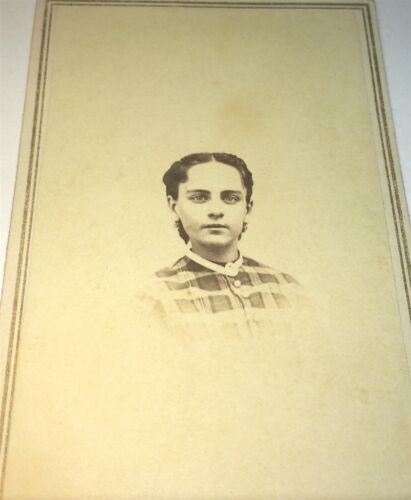 Antique Victorian American Young Woman! Beautiful Eyes! C.1860's CDV Photo! US!