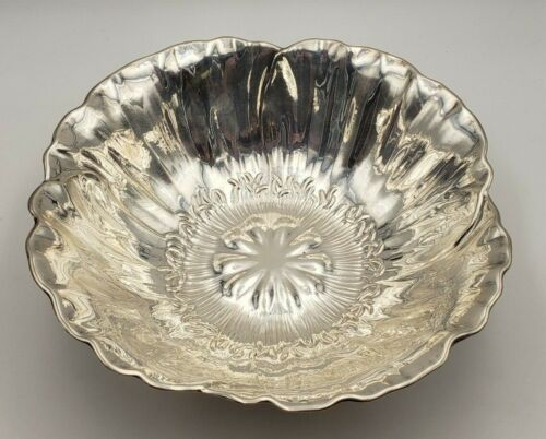 Beautiful Vintage Sterling Silver Flower Shaped Fruit Bowl #6964