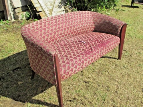 A NICE SMALL SIZE MID CENTURY MODERN 2 SEAT CURVED BACK SETTEE