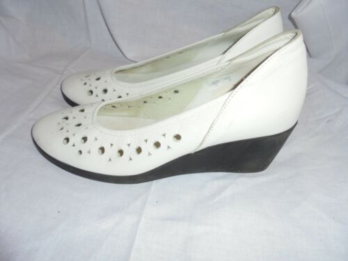 ARCHE WOMEN WHITE LEATHER SLIP ON WEDGE SHOE SIZE UK 6 EU 39 VGC