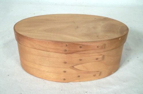 """VINTAGE HAND MADE """"ORLEANS CARPENTERS"""" SHAKER OVAL BOX"""