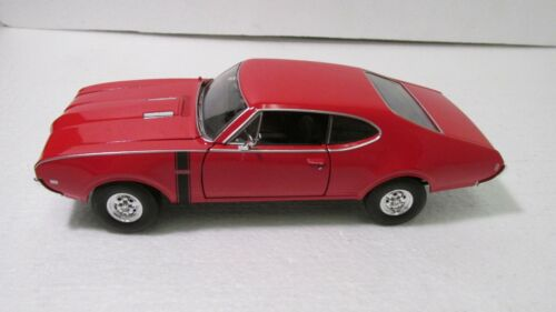 WELLY 1968 Oldsmobile 442 Rouge SPORTS Voiture 1:24 Echelle Miniature dc2639