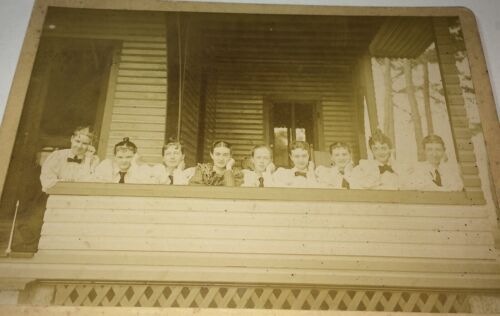 Rare Antique Victorian American Young Women, Front Porch Cabin Row Cabinet Photo