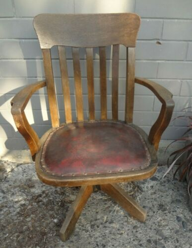 Gorgeous Antique Oak Captains Chair - Swivel