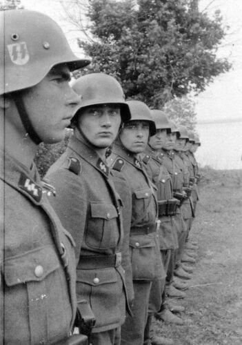 WW2 Photo WWII German Soldiers In Formation World War Two Wehrmacht  / 2269Germany - 156432