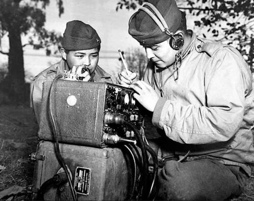 "WWII Photo Navajo Code ""Wind"" Talkers Marines WW2 USMC World War Two  / 1001United States - 156437"