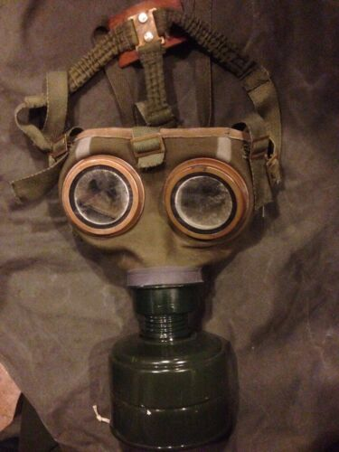 2 SETS VINTAGE GERMAN AUSTRO HUNGARIAN WWI WW2 POSTWAR GAS MASK 1 shipping feeOther Militaria (Date Unknown) - 66534