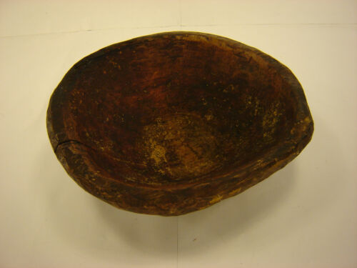 19 c. antique Primitive Carved Huge Wooden Dough Bowl hand made, very heavy