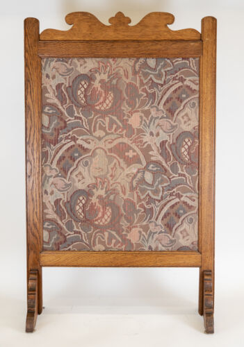ANTIQUE STYLIZED FLORAL MOTIF FABRIC TAPESTRY IN WOOD FRAME TABLE FIRE SCREEN