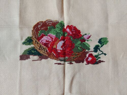 """ANTIQUE Beautiful Vintage Needlepoint Hand Embroidered Tapestry Flowers 11""""/6.5"""""""