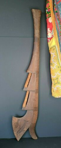 Old Fijian Carved Hardwood Fighting Club …beautiful collection and display piece