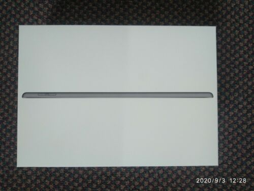 Apple iPad 7th Generation Wi-Fi 32 GB (RETAIL BOX ONLY)
