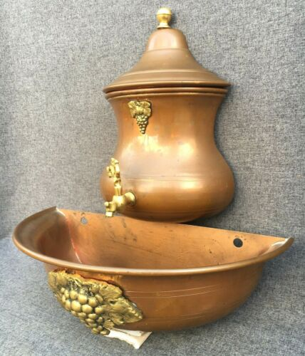 Small vintage french wall water fountain copper bronze 1970-80's garden grape