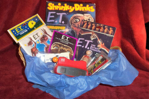 E.T. Extra Terrestrial Collection in Gift Basket Unopened 1980's S