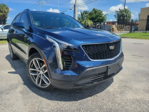 2019 XT5  2019 CADILLAC XT4 AWD CLEAN CLEAR TITLE TURBO 8K MILES VERY LOW BEST OFFER