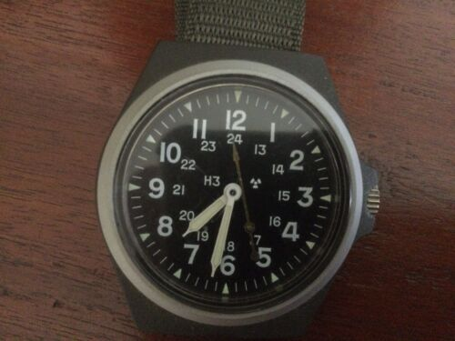 US ARMY ISSUE STOCKER AND YALE WRISTWATCH1961 - 1975 (Vietnam) - 36060
