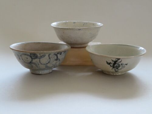 3 CHINESE BLUE & WHITE BOWLS ------- MING DYNASTY ------------------- NO RESERVE