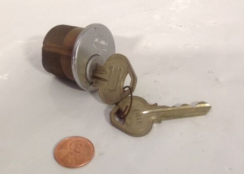 BUSSWIN *  LOCK AND KEY 1 LOT OF 2  * -