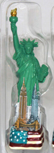"""4.5"""" Statue of Liberty Figurine w.Flag Base and New York City SKYLines from NYC"""