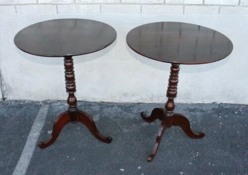 Beautiful 19th Century Pair of American Empire Solid Mahogany Side End Tables